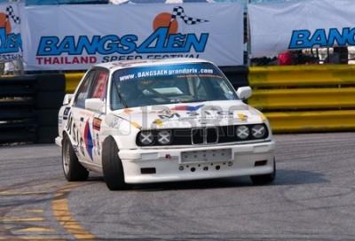 12160528-bang-saen---05-lutego--vintage-bmw-3-series-racing-podczas-bang-saen-szybkoÅ›ci-festiwal-w-tajlan