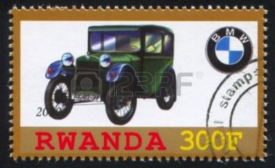24892242-rwanda---okoŁo-2010--stempel-drukowane-przez-rwandzie,-pokazuje-retro-samochodu,-bmw,-circa-2010